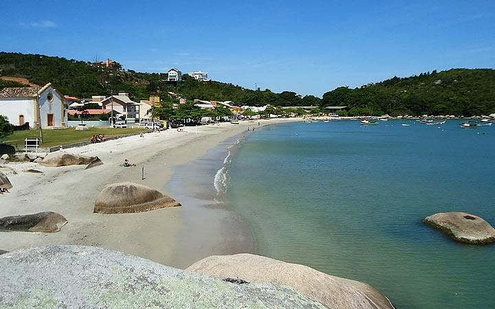 Praia da Armação da Piedade - Governador Celso Ramos