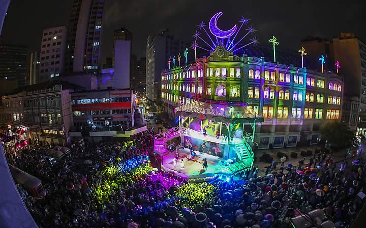 Apresentação de Natal no Palácio Avenida em Curitiba