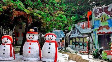 Bonecos de neve na Aldeia do Papai Noel