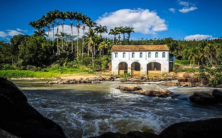 Cachoeira do cravo em São Mateus