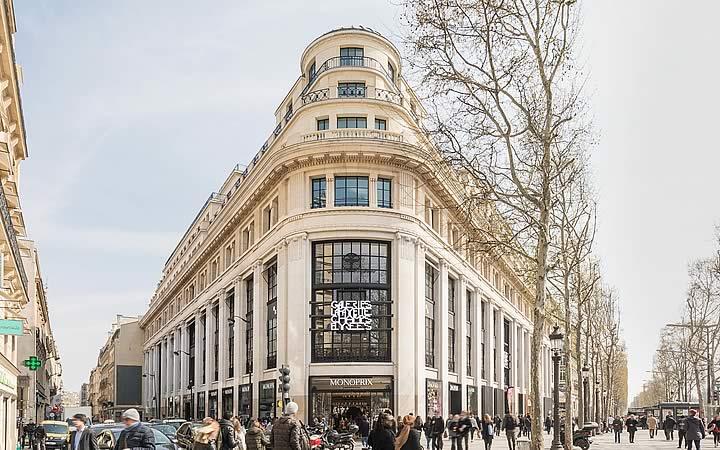 Champs Elysées em Paris