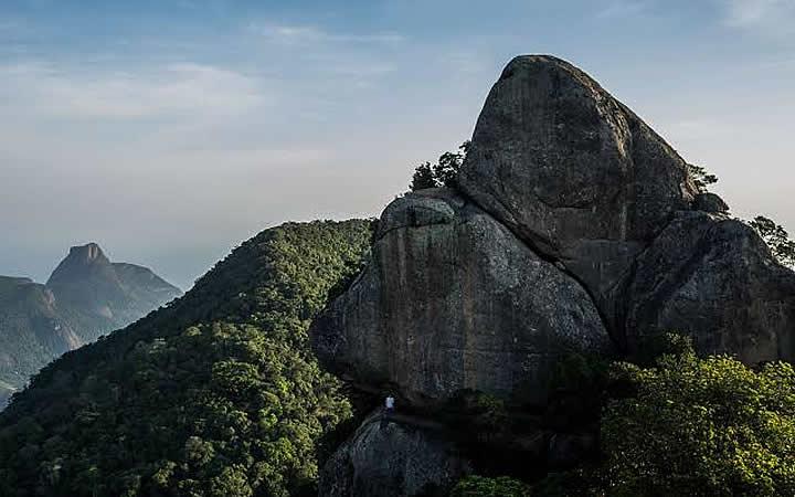 Montanhas - Trilhas no Pico do Papagaio