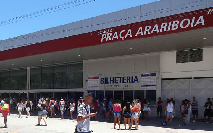 Saída da Praça Araribóia - Barcas
