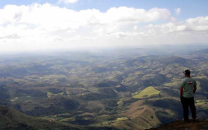 Vista aérea do Parque da Serra do Papagaio