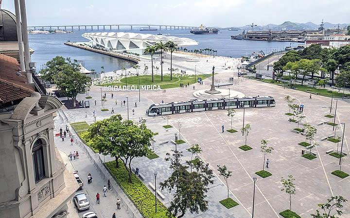 VLT na Praça Mauá e Museu do Amanhã no Rio de Janeiro