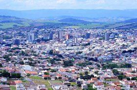 Vista aérea de Passos em Minas Gerais