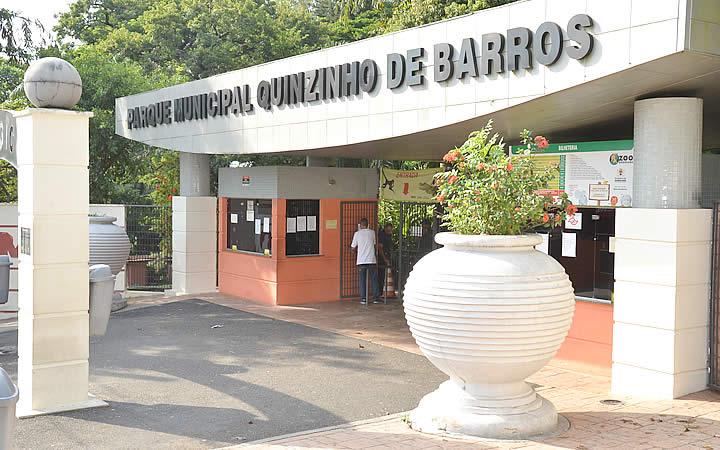 Entrada do Zoológico Municipal Quinzinho de Barros