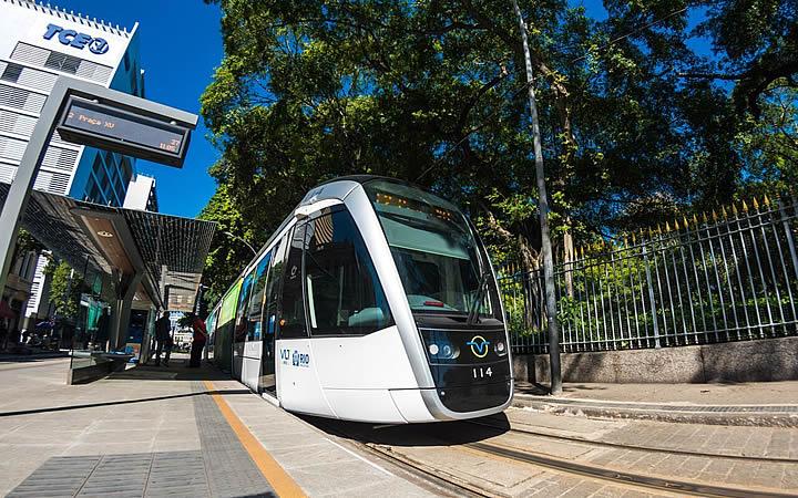 VLT no Rio de Janeiro - Transporte público no Rio - Estação de metrô cinelândia