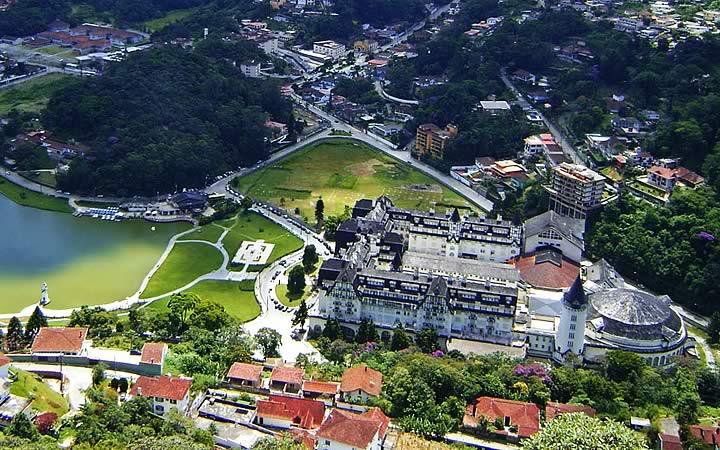 Vista aérea do castelo de Itaipava