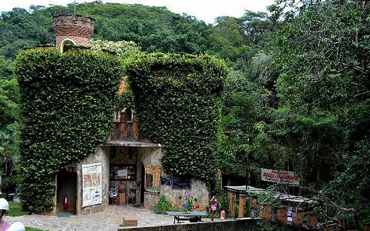 Pequeno Castelo Gruta Da Lapinha