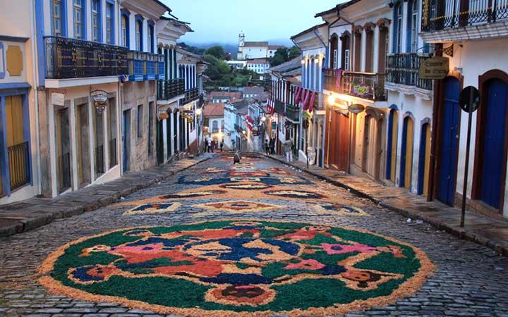 Semana Santa em Ouro Preto Ruas enfeitadas