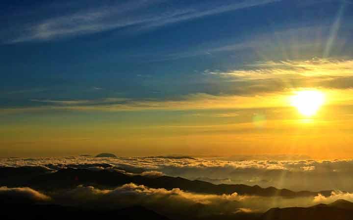 Pôr do sol no Pico do Tira Chapéu