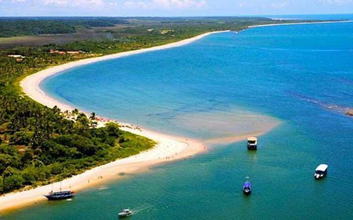 Praia em Santo André - BA