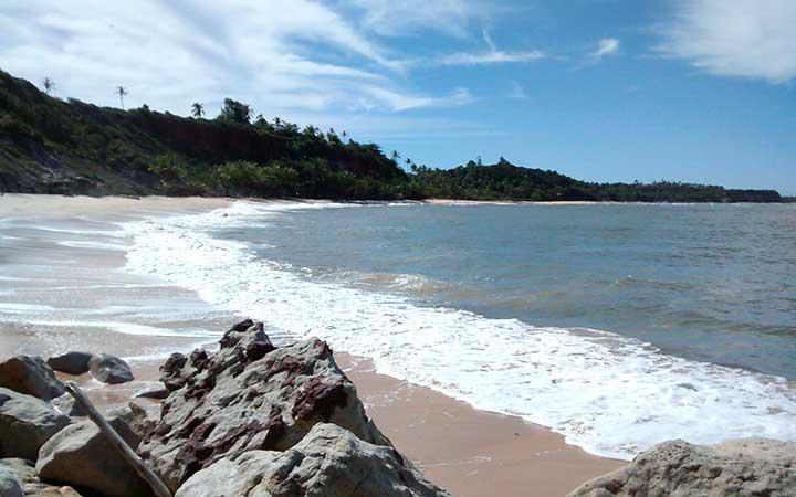 Rochas na praia do Espelho em Porto Seguro - BA
