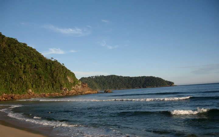 Areia e mar Praia Brava