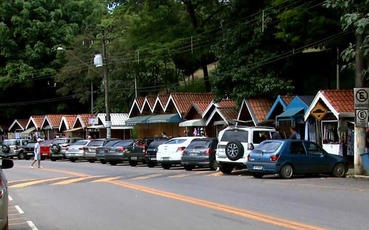 Carros estacionados - Águas da Prata