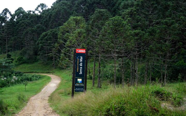 Placa indicativa Parque Estadual Serra do Mar