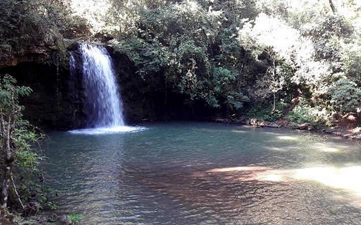 Queda d'água Cachoeira da Cascatinha