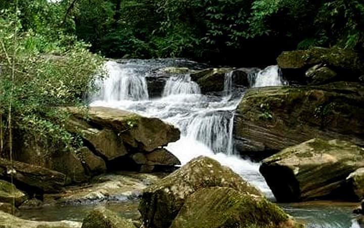 Cachoeira Estrada da Graciosa