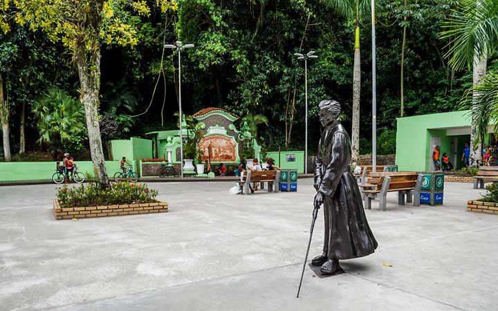 Estátua em praça SP