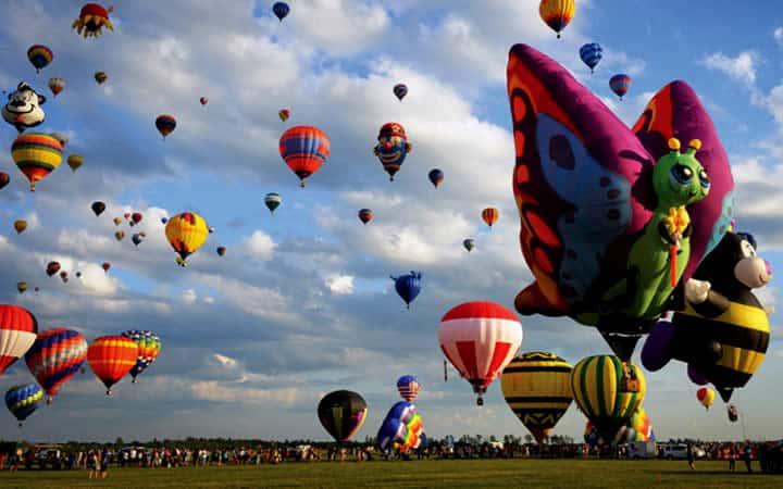 Balões voando