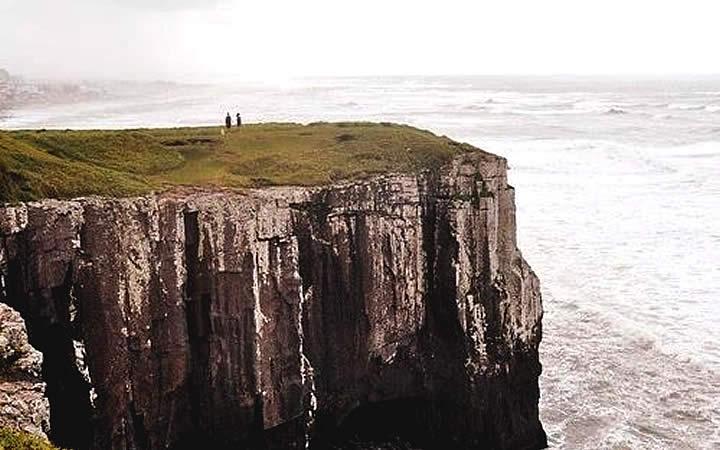 Falésia em praia - Torres RS